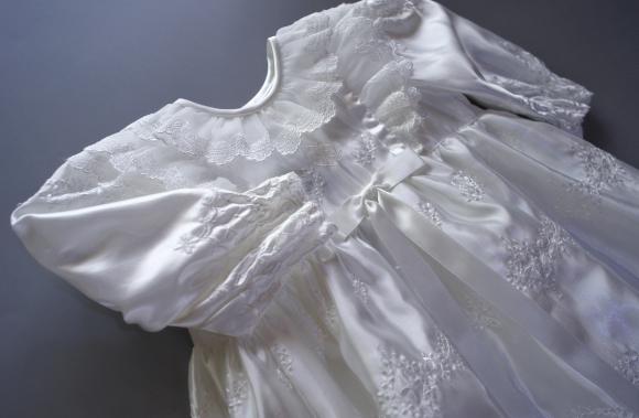 プリンセスドレス胸アップ
